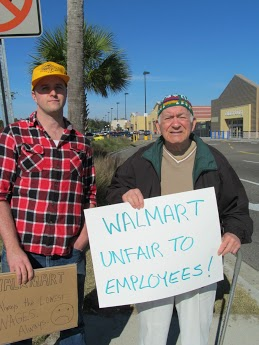 Protestors_at_walmart_nov_2012