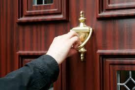 Knockingdoors1