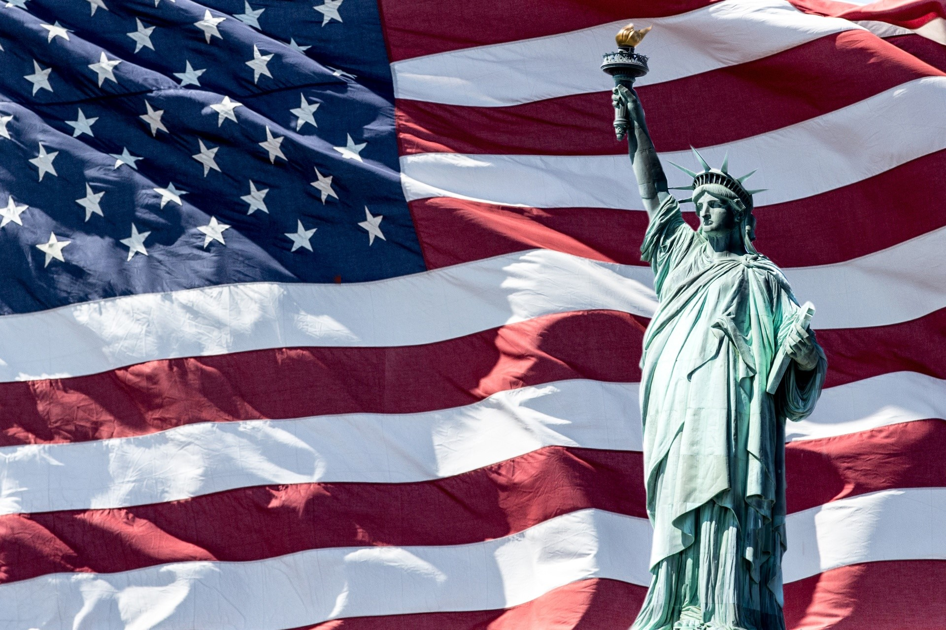 Lady_liberty_and_flag