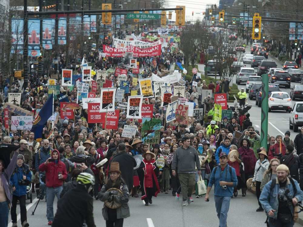 Vancouver-bc-november-19-2016-an-estimated-5000-peopl1