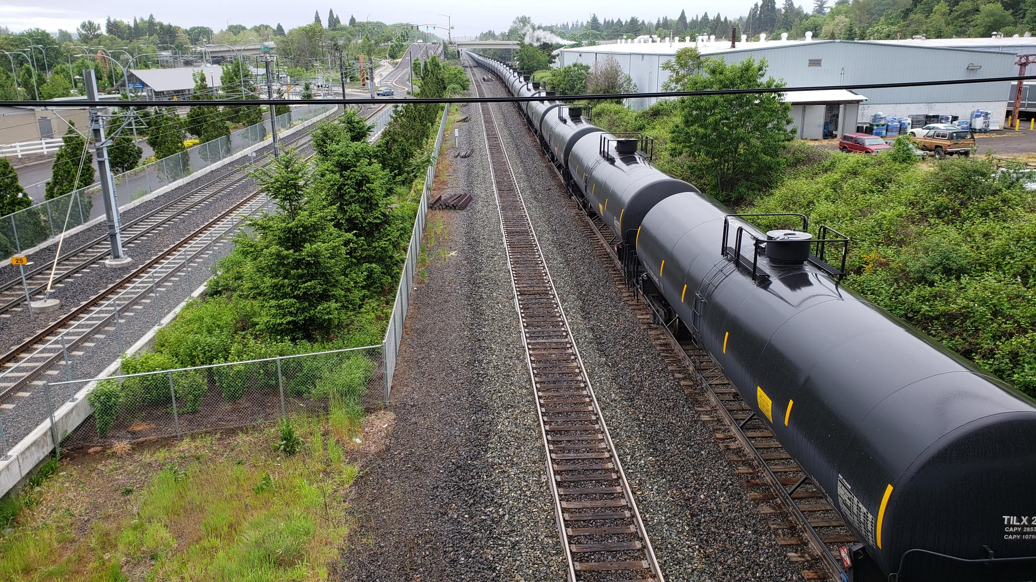 Oil_trains_johnson_creek