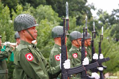 Burmese_army_troops