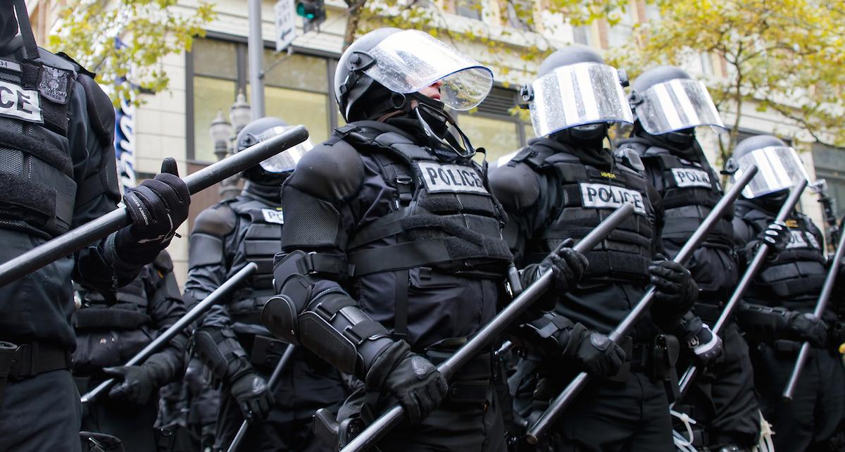 Portland_riot_police