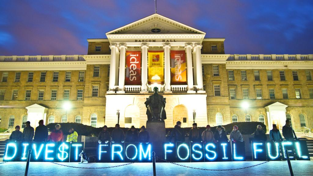 Divest_from_fossil_fuels