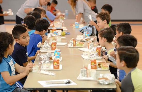 School_lunch_(jason_hoekema_the_brownsville_herald_via_ap)