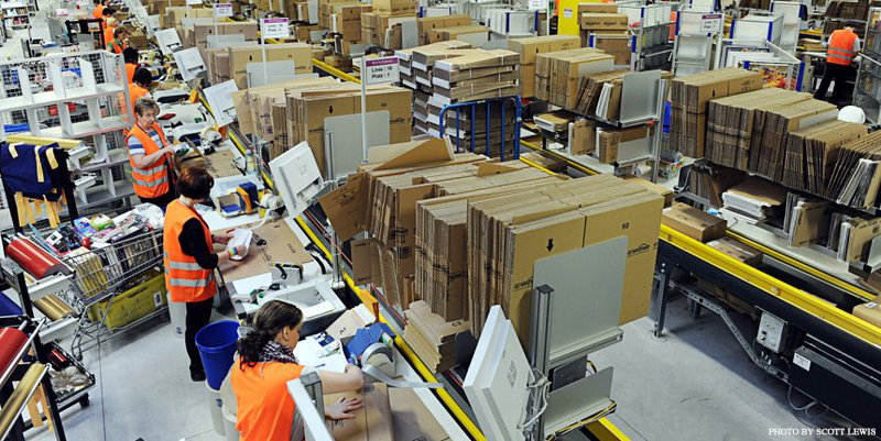 Amazon_warehouse_1